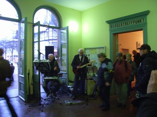 Im Bahnhof spielt Musik