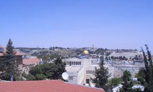 Blick vom Dach eines Altstadtcafés Richtung Gethsemane